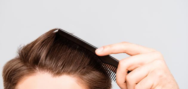 فرد شعر الرجال بدون أضرار